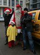 это самый настоящий Санта Клаусс в Ригу приезжал)