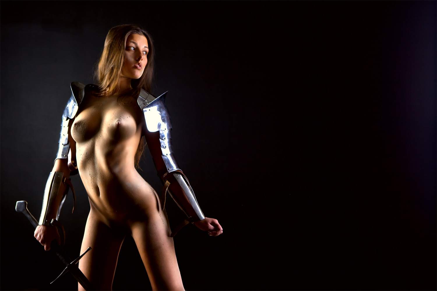 Erotic girl with sword nackt picture