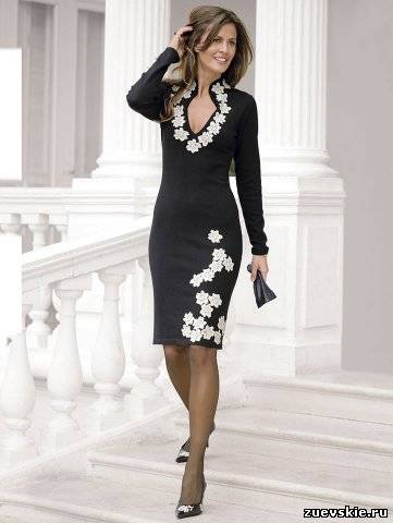 Как задекорировать черное платья